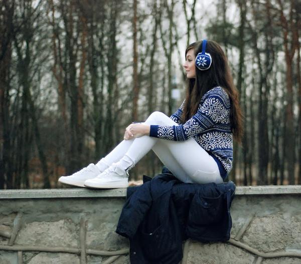 i am sony sweater pants shoes