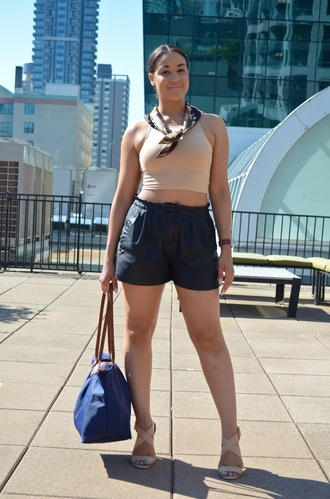 pbth blogger printed scarf black shorts longchamp crop tops
