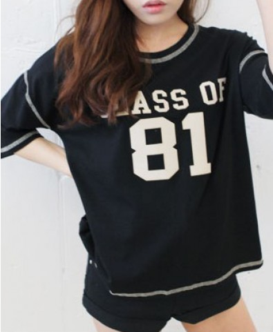 CLASS OF 81 Print T-shirt with High Low Hem in Black
