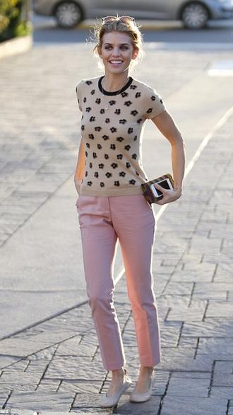 t-shirt annalynne mccord pants
