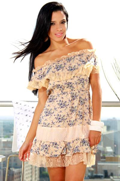 COUNTRY COWGIRL Peach Lace on Blue & Grey Floral Elastic Waist Ruffle Hemline Off or On Shoulder Western Dress