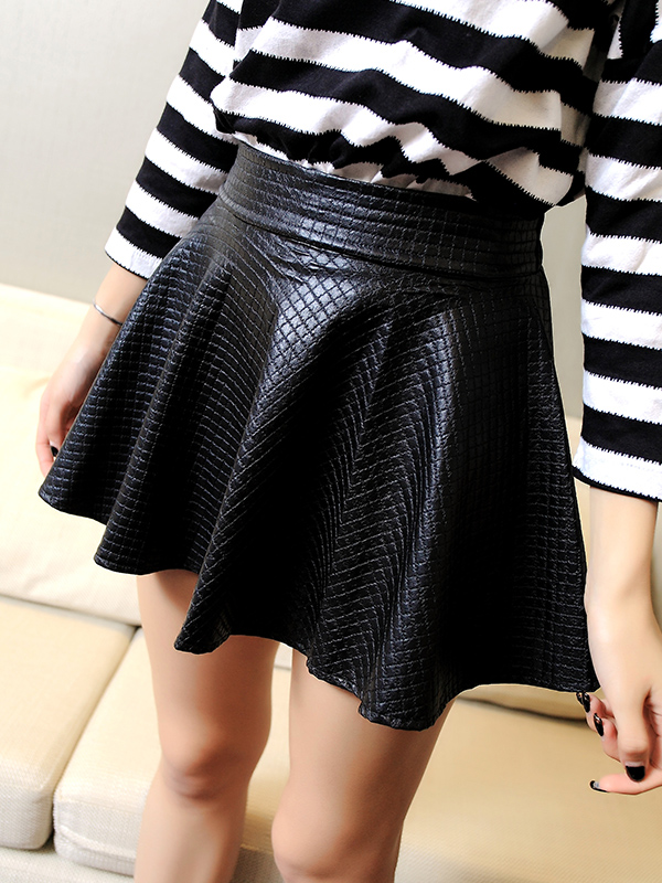 2013 Fashion VINTAGE WOMEN HIGH WAISTED FAUX LEATHER SOFT PU SKATER GRUNGE FLIPPY PLEATED SWING SKIRT 3 COLORS-inSkirts from Apparel & Accessories on Aliexpress.com