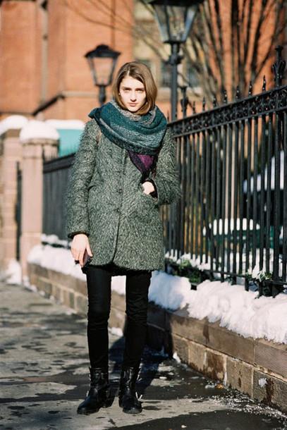vanessa jackman blogger grey coat scarf winter outfits