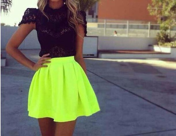 t-shirt black top skirt