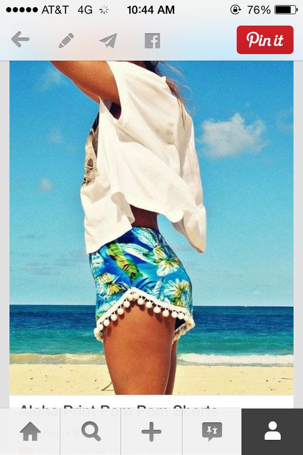 shorts pompom trim island palm tree print