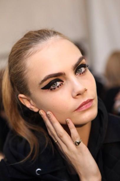 make-up cara delevingne model eyeliner hair/makeup inspo