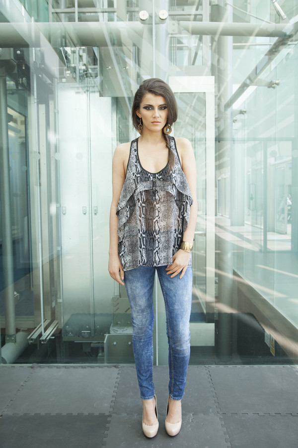 top grey snake print sheer jeans model celebrity celebrity style style casual cool chic frill