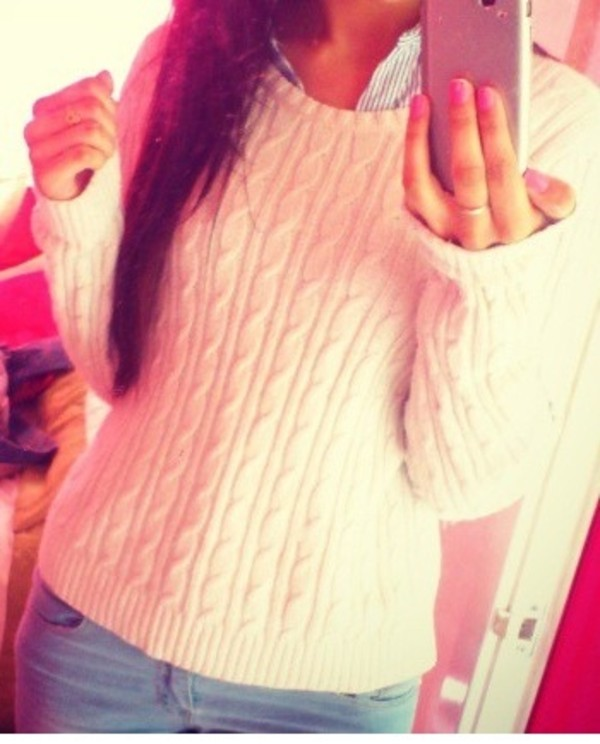 sweater hollister bettys cable knit cream white collared shirts nail polish pink pink nails denim jewelry light blue ripped light jeans