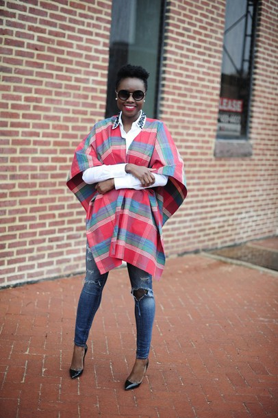 skinny hipster blogger poncho white shirt ripped jeans