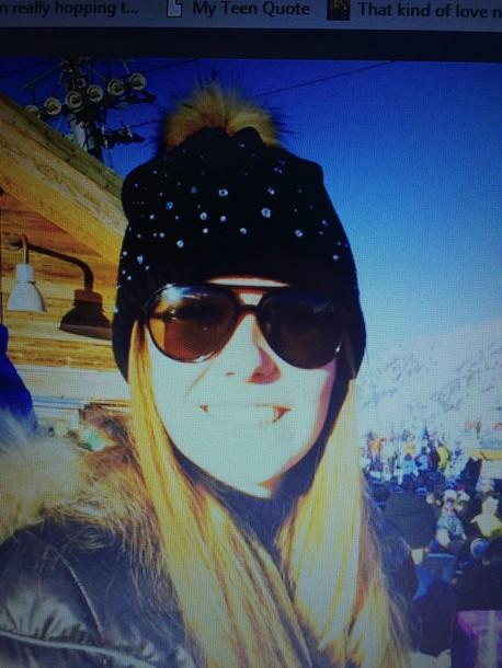 hat black bonnet fur