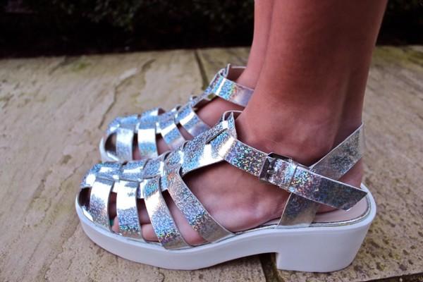 shoes silver wedges sandals metallic metallic shoes low heels ankle strap buckles summer tumblr pale platform shoes grunge soft grunge cute heels shop