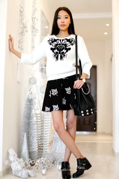 aibina's blog blogger jewels jumper black skirt black bag cut out ankle boots