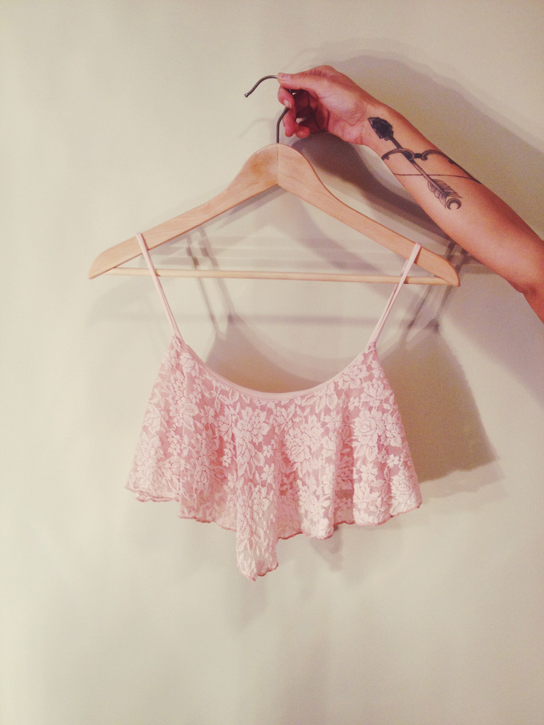LACE FLOWY CROP TOP - Love Story Shop