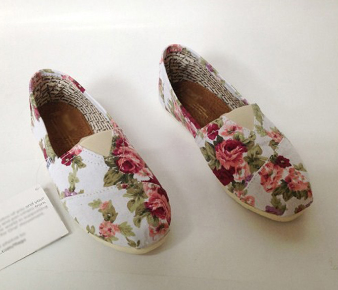 2013 NEW Fashion women floral flats canvas shoe single shoes S003-in Flats from Shoes on Aliexpress.com