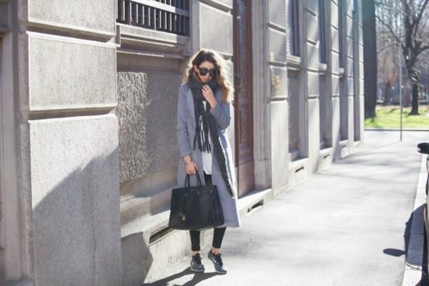 scent of obsession blogger black bag grey coat