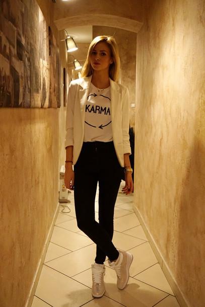 beauty fashion shopping blogger blazer white t-shirt high top sneakers
