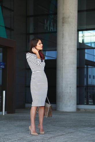 seams for a desire blogger dress bag shoes scarf jewels sunglasses shorts coat
