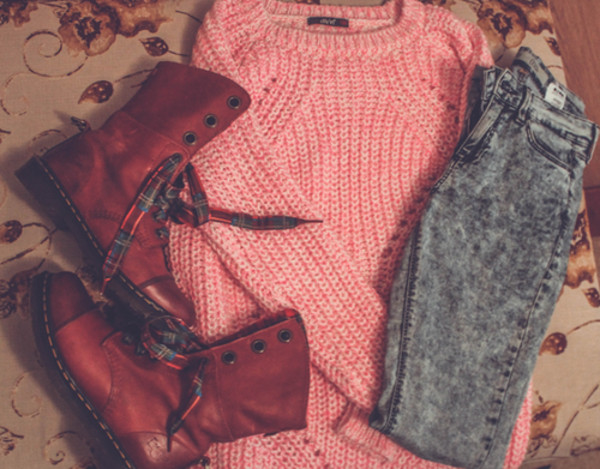 shirt combat boots cute outfits sweater high waisted jeans shoes