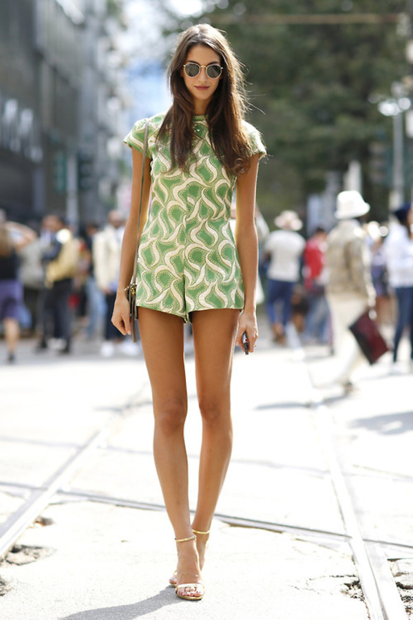 romper pattern green summer summer outfits sandals round sunglasses white short