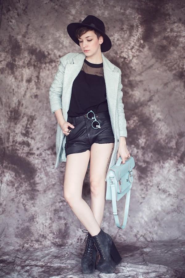 natalie's fashion workshop coat sunglasses shoes bag