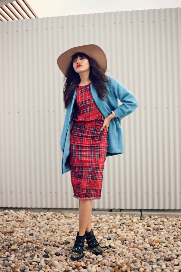 natalie off duty jewels t-shirt skirt coat hat shoes