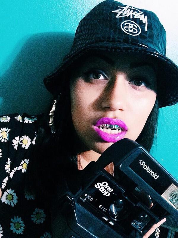 hat stussy braces pink lipstick bamboo earrings sunflower shirt stussy bucket hat bucket hat