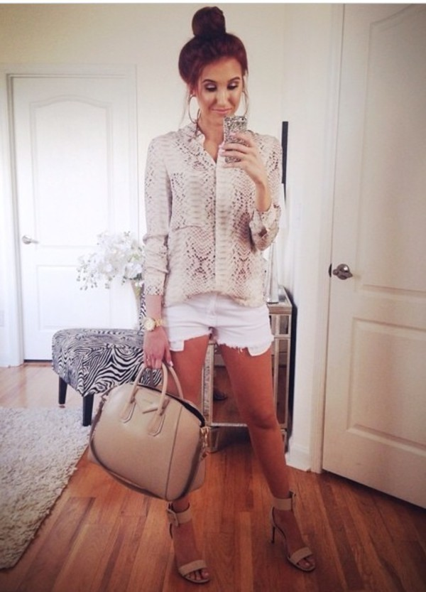 blouse jaclynhill beige snake skin white summer outfits bag shoes