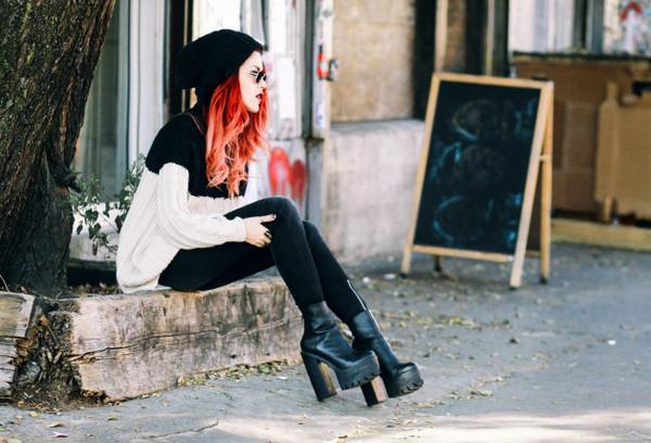 le happy sweater jeans shoes hat jewels black boots