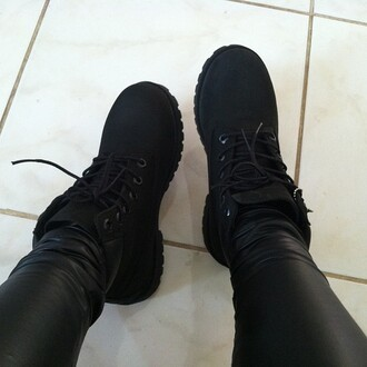 shoes black leather leggings skinny pants boots black shoes black boots combat boots black timberlands timberland timberlands sexy leather pants all black everything sneakers urban flat boots