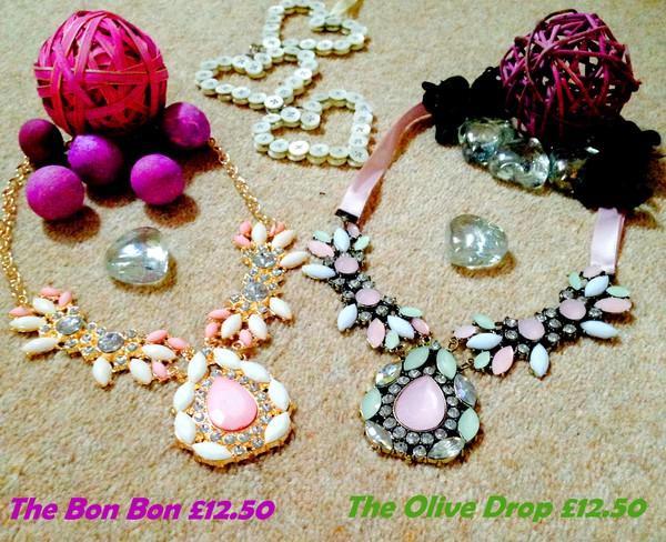 jewels necklace summer outfits summer dress diamonds green pink pink dress