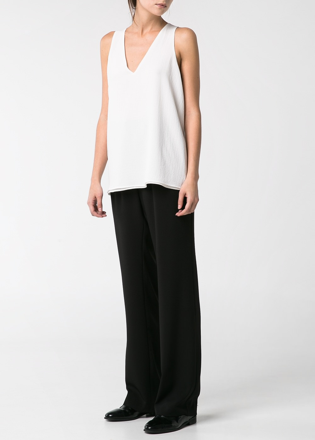 Textured v-neck top -  							  							Women - 							MANGO