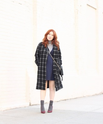 tf diaries blogger jacket sweater dress bag shoes socks crossbody bag black coat pumps high heel pumps
