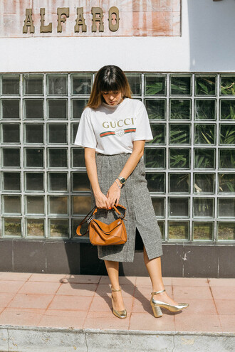 t-shirt tumblr white t-shirt gucci logo tee skirt grey skirt midi skirt slit skirt bag brown bag loewe bag shoes gold shoes metallic metallic shoes streetstyle gucci t-shirt