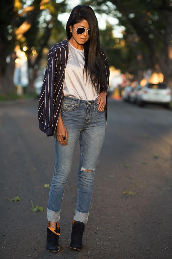 walk in wonderland t-shirt jeans jacket shoes