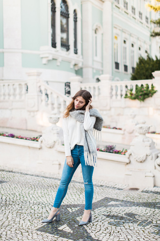 wish wish wish blogger sweater jeans scarf shoes jewels