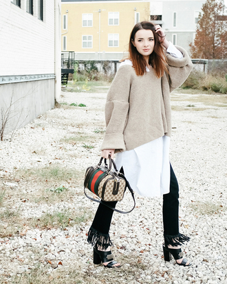 sea of shoes blogger sweater dress jeans shoes bag