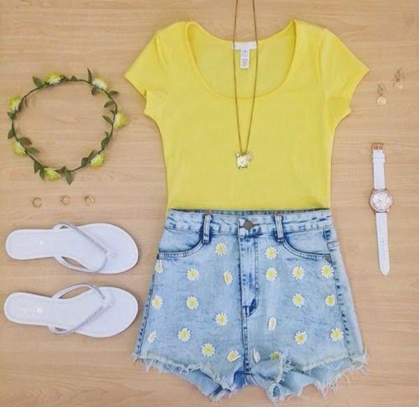 flowered shorts summer outfits sunflower shorts