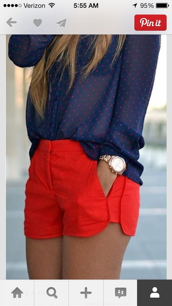 shorts red shirt