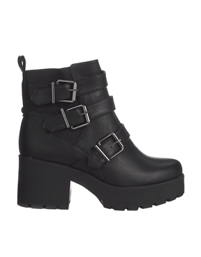 New Look | New Look Compact Black Chunky Strap Detailed Boots at ASOS