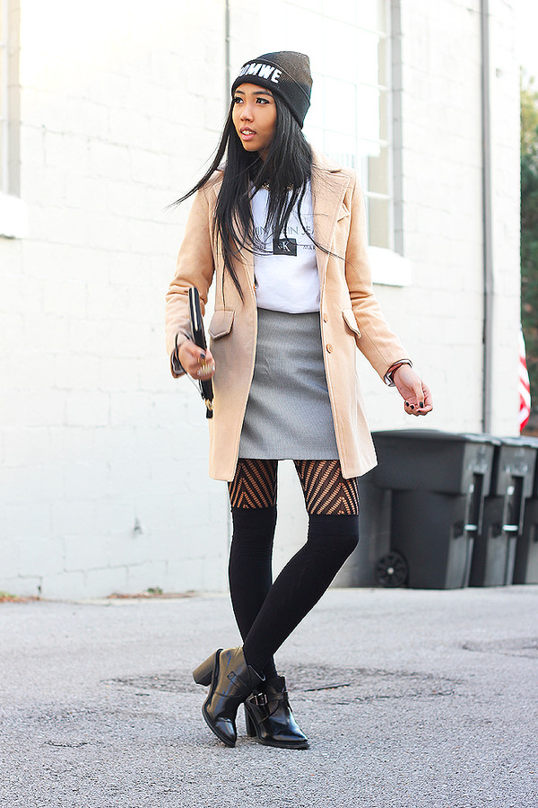 fashion of a novice sweater skirt coat
