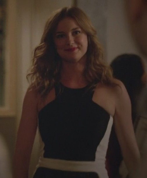 dress revenge emily thorne emily vancamp