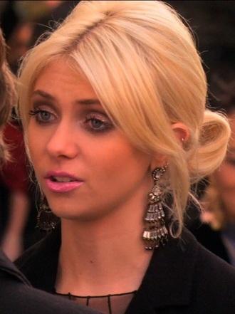 jewels chandelier dangle earrings sparkle jenny humphrey chandelier earrings earrings gossip girl