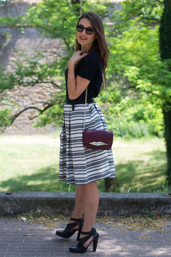 style and trouble skirt sunglasses bag shoes top jewels