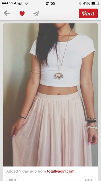 shirt pink skirt maxi crop tops jewels tan white crop tops white pink skirt pastel pastel pink tumblr necklace bracelets t-shirt maxi skirt indie pink maxi skirt elephant elephant bracelet top maxi dress make-up long skirt beige beige skirt pretty girly cute nice summer flowy light pink long blouse white t-shirt