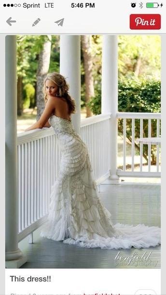 dress off-white lace