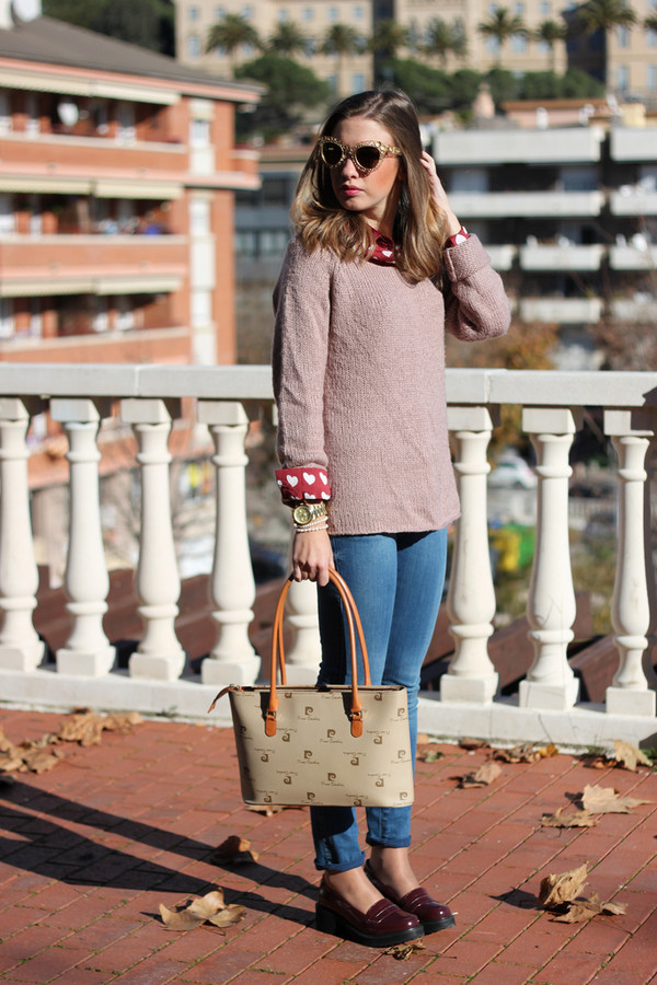 say queen sweater jeans sunglasses bag shoes