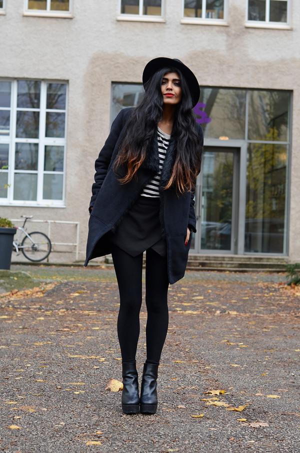 she wears fashion coat shoes