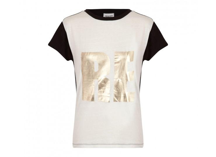 T-shirt blanc imprimé RE doré porté par Enora Malagré | shozap