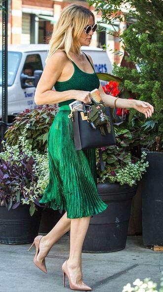 skirt kate hudson green green skirt midi skirt top summer outfits pleated skirt tank top