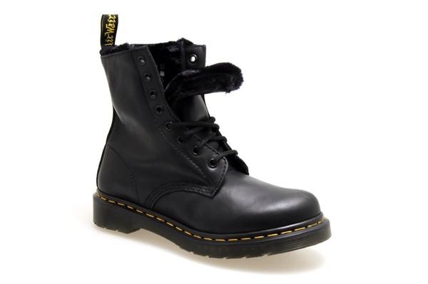 shoes DrMartens black fur rock style